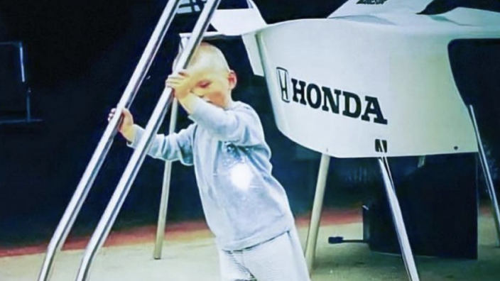 """Jos Verstappen deelt aandoenlijke foto van jonge Max: """"Je moet jong beginnen"""""""