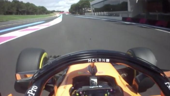 """Alonso via de boordradio: """"Ik hoop dat hij schade heeft"""""""