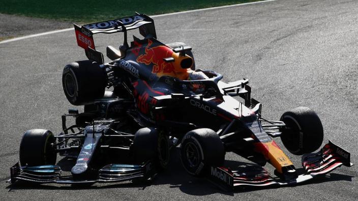 """Sainz verwacht Verstappen-crash als agendapuntje tijdens volgende briefing: """"Nodig hier over te praten"""""""