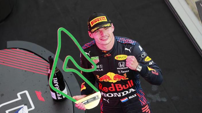"""Hakkinen lovend over dominant Red Bull: """"Max lijkt er ook enorm van te genieten"""""""