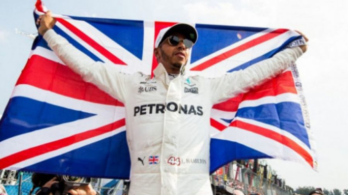 Hamilton vows to fight to keep British GP at Silverstone