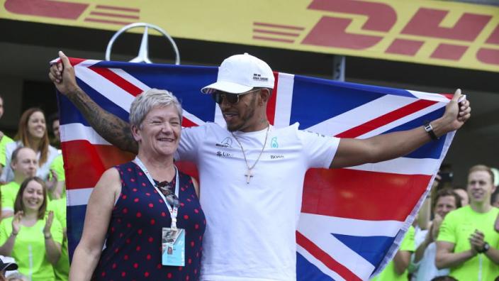 Het familieportret van Lewis Hamilton