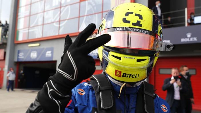 Norris baalt nog steeds van mislopen pole position: 'Was twee tienden sneller dan Hamilton'