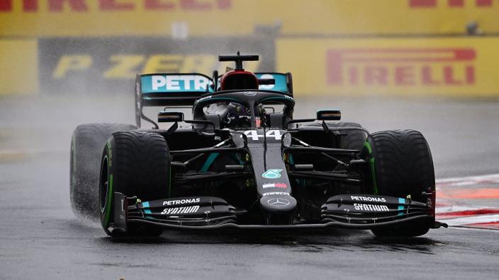 """Hamilton uitte zorgen over Mercedes-motor: """"Gaf aan dat er probleem was"""""""