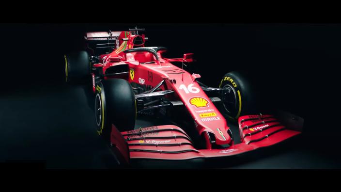 In beeld: De gloednieuwe Ferrari SF21 vanuit verschillende hoeken