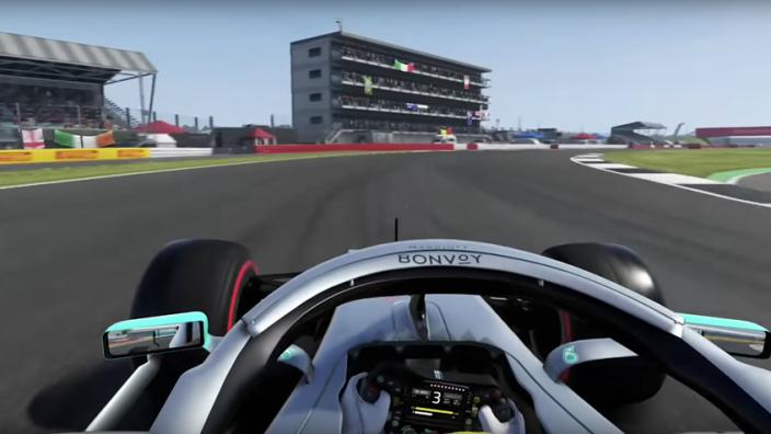 VIDEO: Zo ziet een Grand Prix op een omgekeerd Silverstone eruit