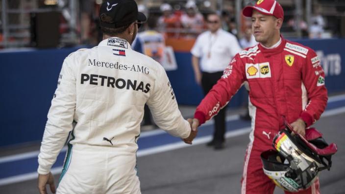 """""""Het is Hamilton gelukt Vettel een straf op te leggen, daar is hij goed in"""""""