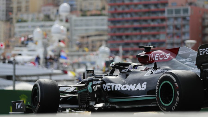Mercedes 'roll of the dice' led to Hamilton error - Rosberg