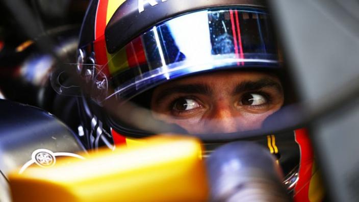 """Sainz neemt afscheid: """"Heb veel aan Red Bull te danken"""""""