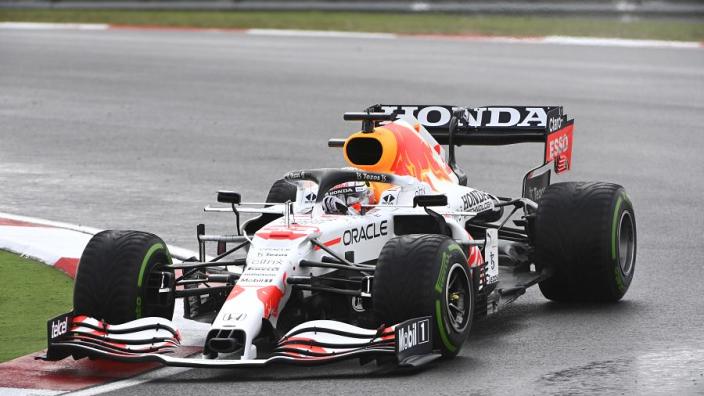 """Problemen bij Red Bull? """"Was iets mis met auto Verstappen"""""""