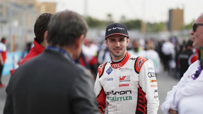 Formule E coureur gediskwalificeerd na inhuren professionele simracer