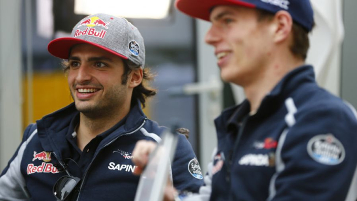 """Sainz: """"Ik dacht dat ik goed bezig was, maar toen kwam Verstappen"""""""