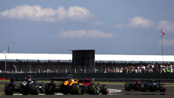 Mercedes verwacht in 2022 titelconcurrent in Ferrari
