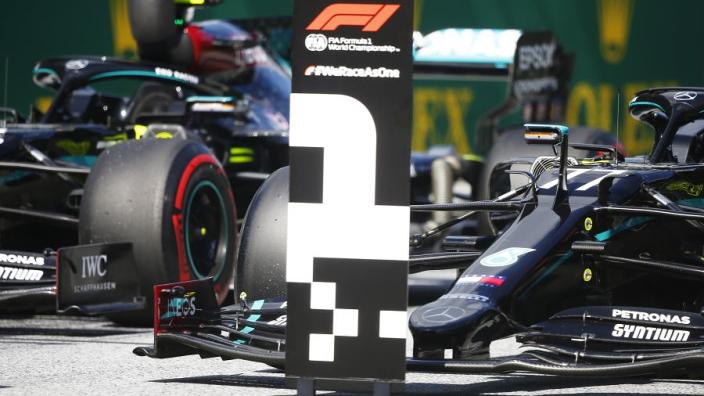 """Bottas wint chaotische Grand Prix van Oostenrijk: """"Fantastisch begin"""""""