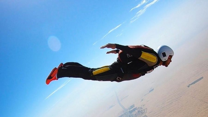 See Lewis Hamilton go skydiving in F1 off-season