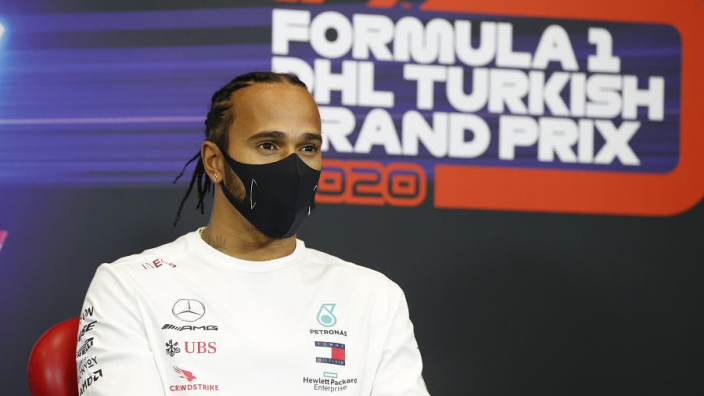 Hamilton ondanks extreme voorzorgsmaatregelen toch besmet geraakt