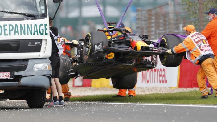 """Honda na crash Verstappen: """"Vanavond uitgebreid naar zijn motor kijken"""""""