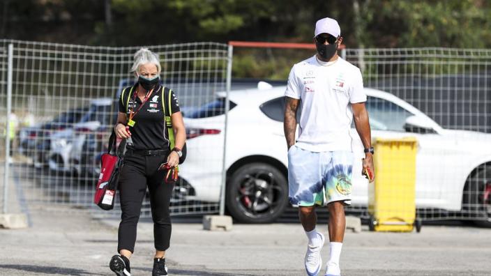 """Kravitz: """"Hoogst onwaarschijnlijk dat Hamilton in Abu Dhabi kan rijden"""""""