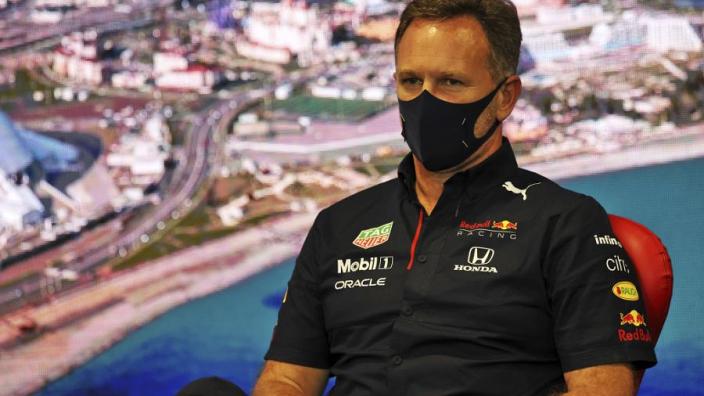 """Horner: """"Verstappen had seizoen zonder motorwissel uit kunnen rijden"""""""