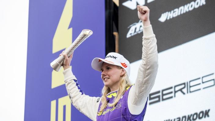 Coulthard over F1-kansen Beitske Visser: 'Ze heeft absoluut potentie'