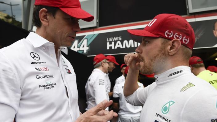 """Wolff: """"Verstappen ontnam Bottas tweede plaats en ons de één-twee"""""""