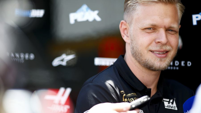 """Magnussen kreeg standje van Steiner: """"Ik beet bijna in mijn stuur"""""""