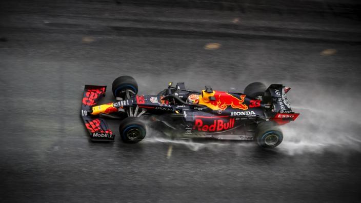 Hoe start je een Formule 1-auto?