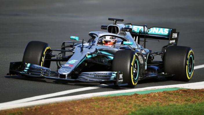 Sergio Perez: 'Mercedes lijkt twee auto's voor verschillende circuits te hebben'