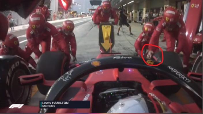 Ferrari-monteur verloor handschoen bij bandenwissel Leclerc in Abu Dhabi