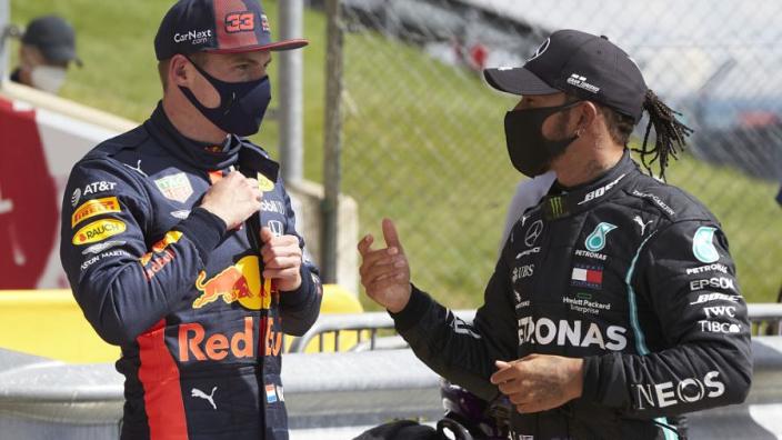 Hamilton verbaasd: 'Was een onverwachte en leuke uitdaging'
