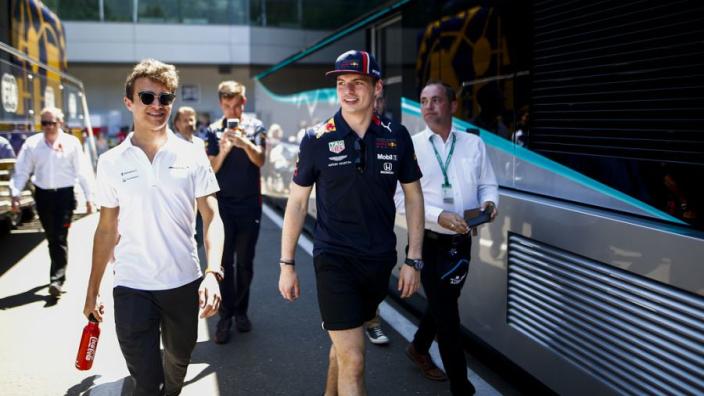 Max Verstappen en Lando Norris winnen virtuele 24 uur van Spa
