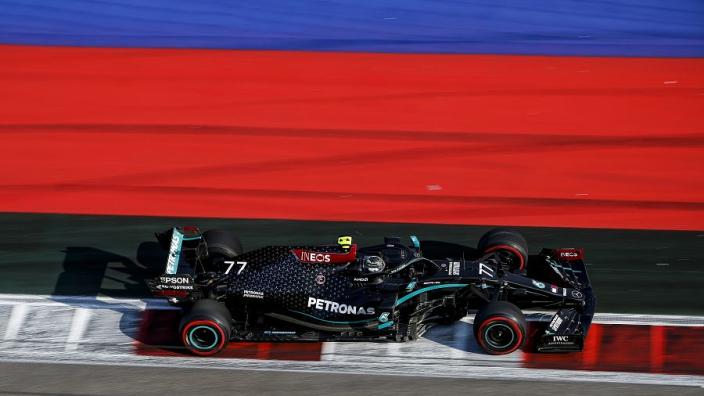 Hamilton mistake hands Bottas Russian FP2 honours