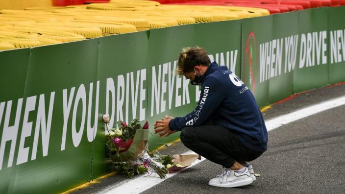 Overlijden Hubert vandaag 1 jaar geleden: F1 toont eerbetoon aan coureur
