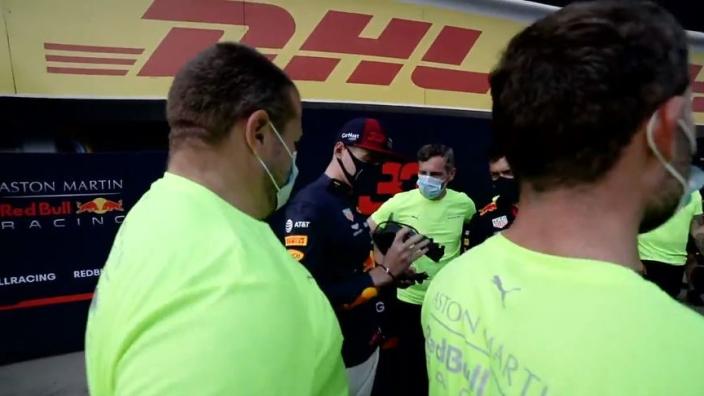 Red Bull-monteurs geven Verstappen 'speciaal cadeau' na GP Hongarije