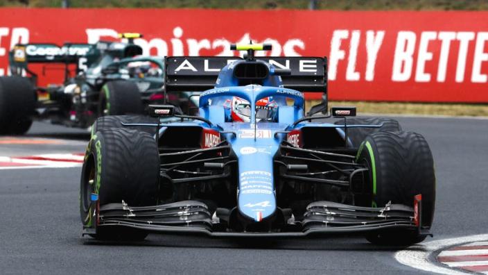 """Ocon wint Grand Prix van Hongarije: """"Wil Fernando ook graag feliciteren!"""""""