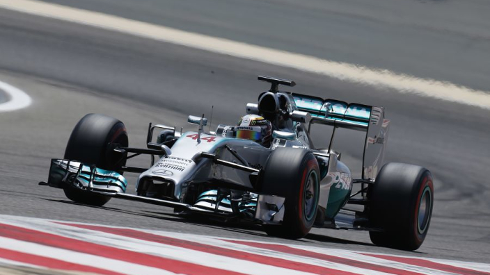 "Mercedes 2014 rule change fear led to ""idle mode"" qualifying - Lowe"
