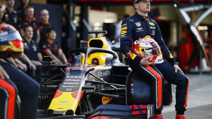 """Horner lyrisch: """"Max is die ene coureur die Hamilton in een gevecht aankan"""""""