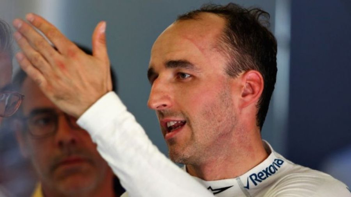 Kubica confirms Ferrari talks