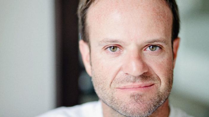 Voormalig Formule 1-coureur Rubens Barrichello opgenomen in ziekenhuis