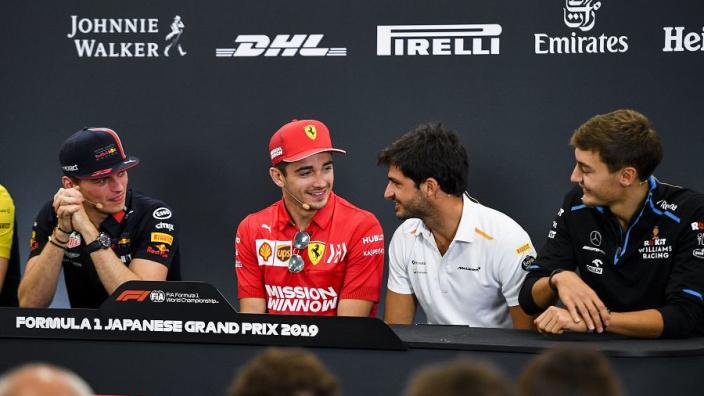 """Villeneuve: """"Sainz is geen Verstappen, maar hij is wel snel"""""""
