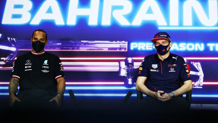 Hill sluit overstap Verstappen niet uit: 'Denk dat Mercedes ook hoog op zijn lijstje staat'