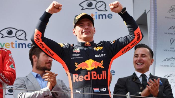 Max Verstappen evenaart bijzonder record met vierde winst