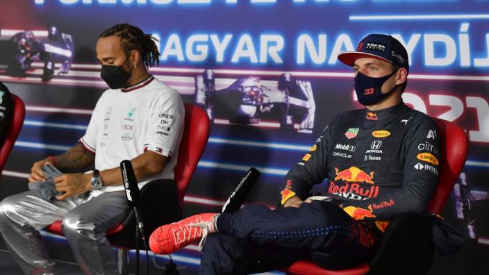 Buxton kritisch op Red Bull: 'Woordenwisselingen helpen niet bij focus Verstappen'