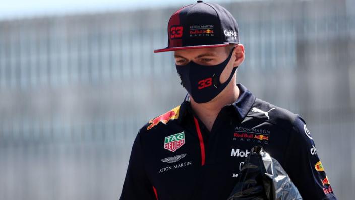 """Verstappen: """"Als achter Mercedes aanrijden het beste resultaat is, dan kunnen we daar blij mee zijn"""""""