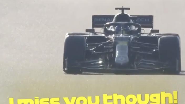 VIDEO: Ricciardo is weer blij in de auto, maar mist zijn engineer