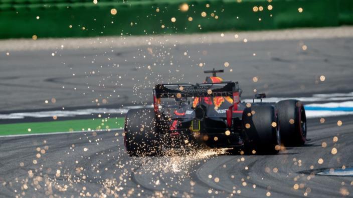 Dit is waar de vonkenregens bij Formule 1-auto's vandaan komen