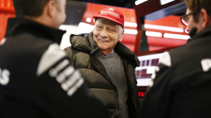Lauda no longer setting date for F1 return