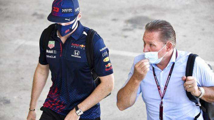 Verstappen verklaart woede richting Hamilton: 'Laat zien hoe Mercedes echt is'