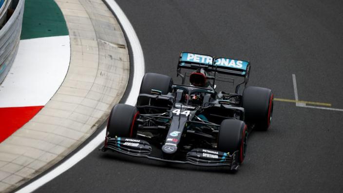 """Hamilton lovend: """"W11 beste auto die mijn team ooit heeft gebouwd"""""""