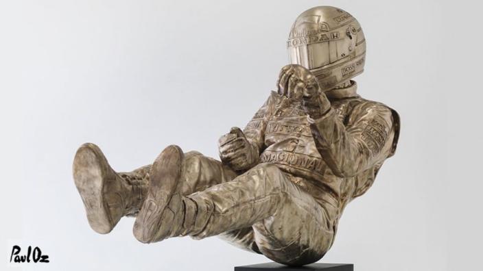 Senna statue caught in amazing 3D photo!